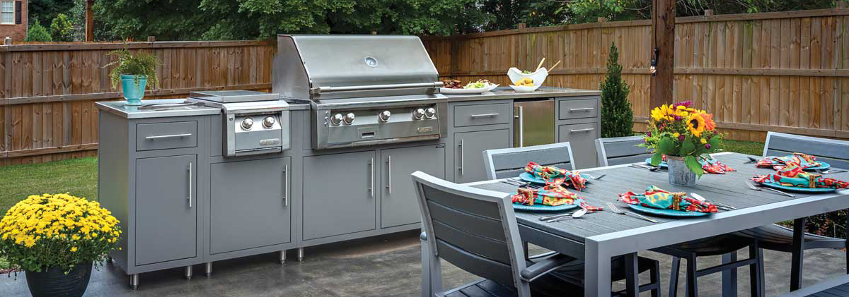 Outdoor Kitchen with Patio Dining Set